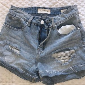 Pac Sun Mom short Great condition